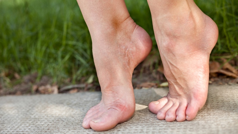 Перекаты с пятки на носок полезны при многих патологиях