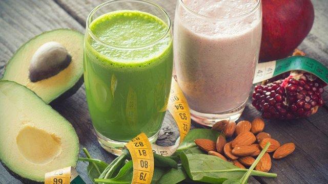 Летом детокс организма особенно полезен и эффективен, ведь на прилавках полно свежих сезонных овощей и фруктов