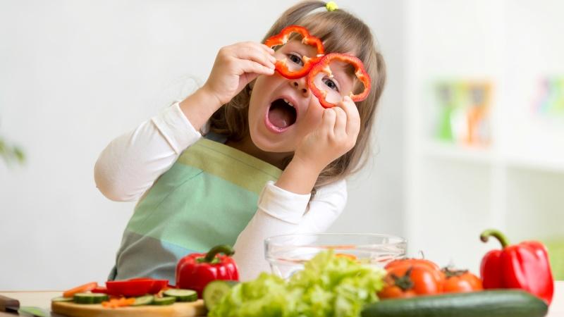Правильное питание помогает сохранить зрение и слух