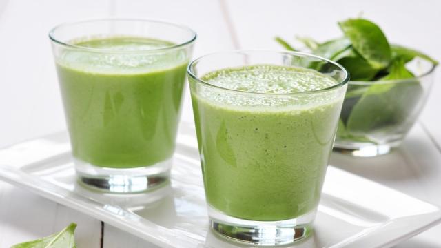 Зеленые коктейли улучшают работу пищеварительного тракта