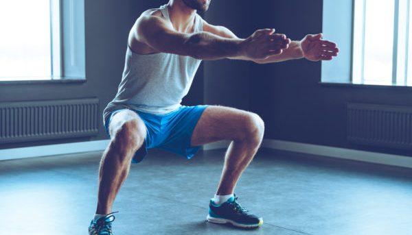 Выполняйте упражнение в три подхода по 10 секунд