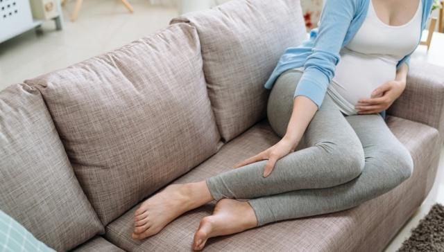 Отеки ног у беременных не всегда нужно лечить