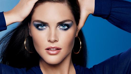 Синие тени могут выглядеть современно и стильно