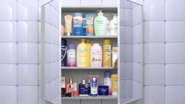 Из-за перепадов температур тональному крему в ванной комнате не место