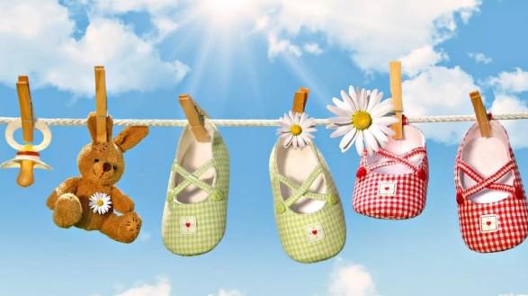 Врачи затрудняются назвать точный возраст, когда ребенку нужно покупать правильную обувь