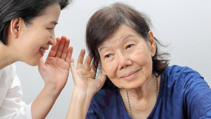 По статистике, 1 из 6 взрослых испытывают сложности со слухом