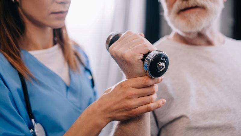 Лечебная физкультура подходит любым пациентам, которые могут двигаться самостоятельно