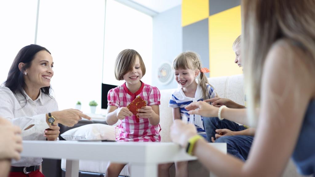 Первые социальный опыт ребенок получает еще в семье