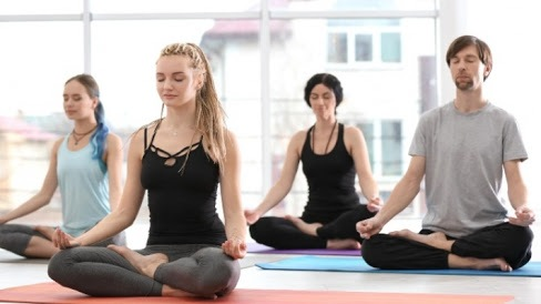 Йога - идеальный вариант поддержания тела в хорошей физической форме без тяжелых нагрузок