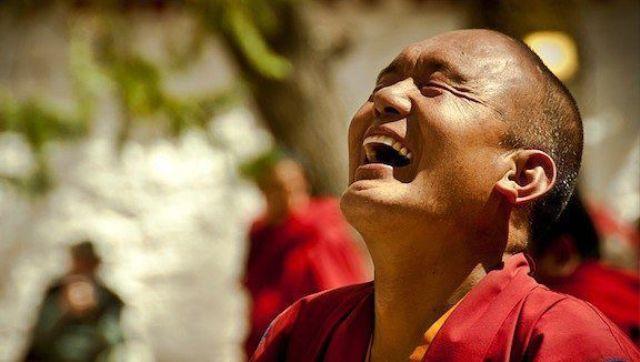 Зубы непальских монахов не только белые, но и здоровые