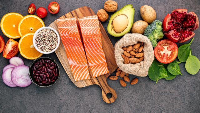 Употребляйте больше продуктов, богатых витаминами А, Е, С