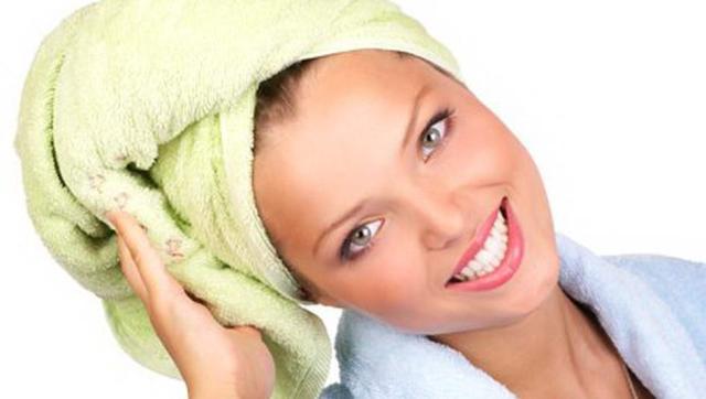 После мытья не трите волосы полотенцем