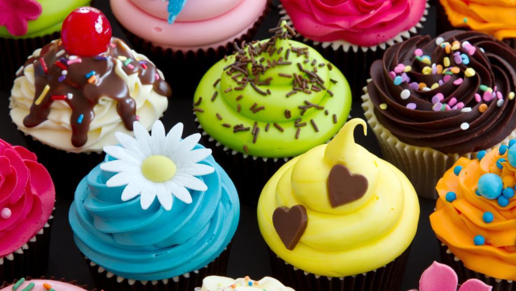 Вкусные и манящие пирожные не совместимы с диетой